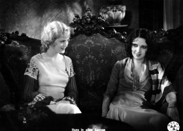 Betty amann and camilla horn in hans in allen gassen 1930